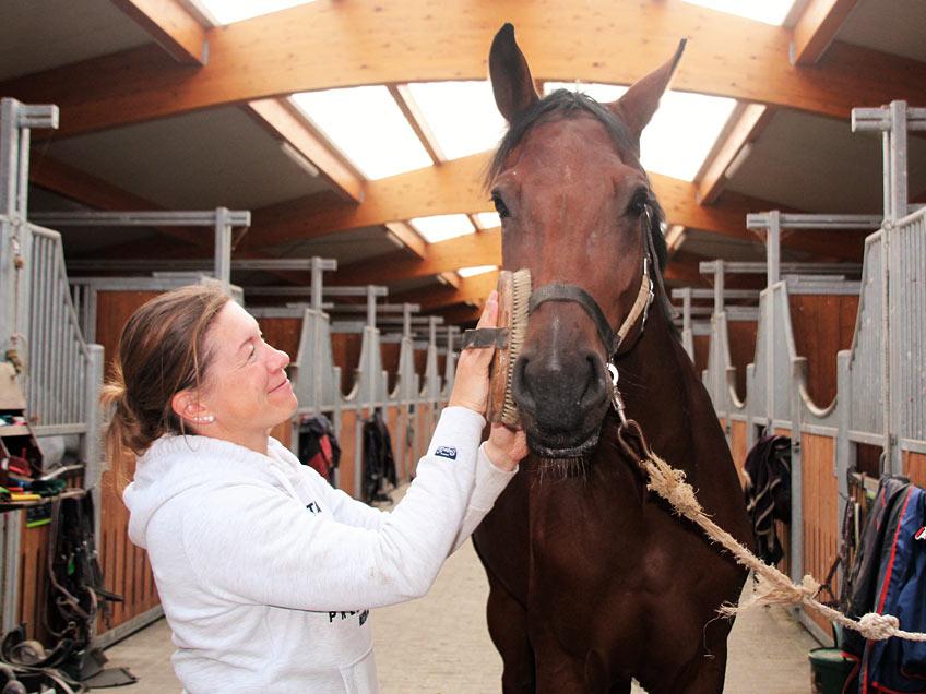 AKH Pferdesport Team Pflegerin Steffi Lewi